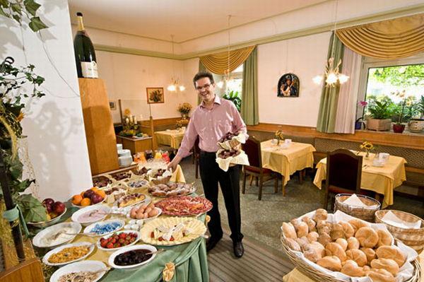 La colazione Zum Hirschen - Hotel 2 stelle