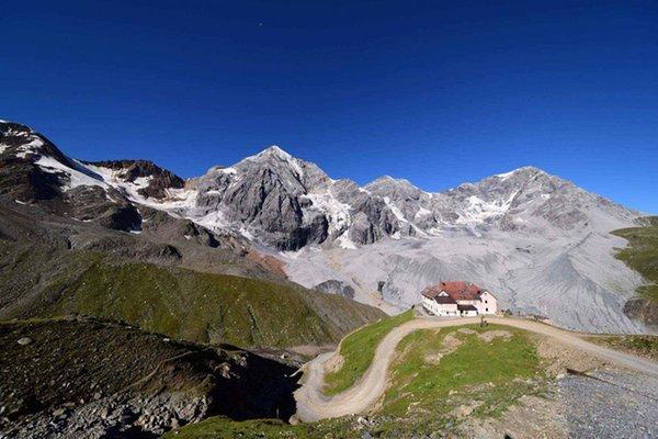 Foto Außenansicht im Sommer Schaubachhütte