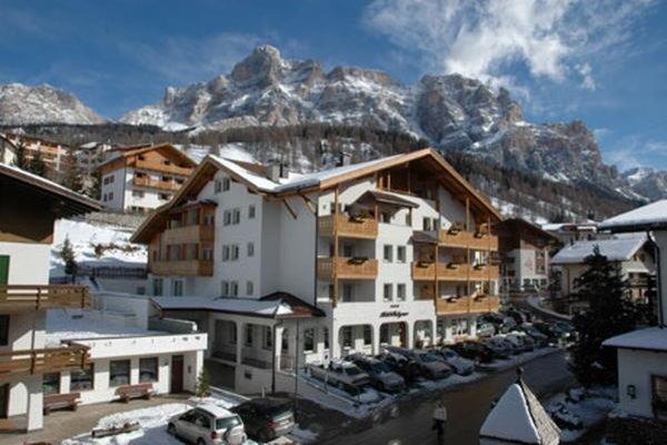 Foto invernale di presentazione Hotel Falzares