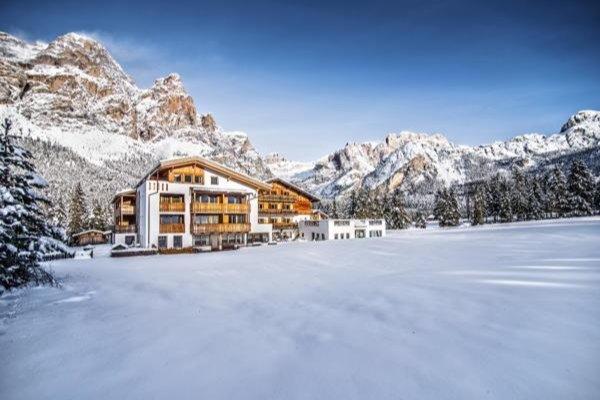 Foto invernale di presentazione Hotel Gran Ancëi