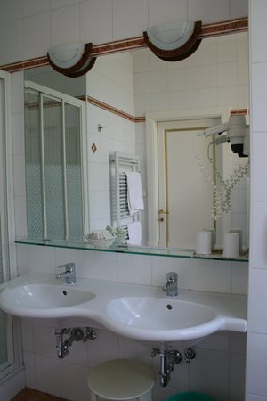 Photo of the bathroom Hotel Westend