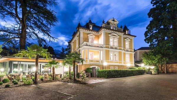 Foto estiva di presentazione Residence Villa Helvetia