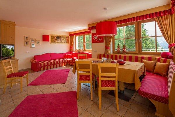 Der Wohnraum Chalet Sorëdl - Ferienwohnungen 3 Sonnen