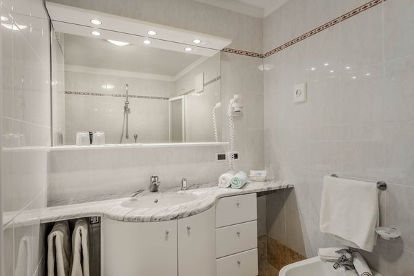Foto del bagno Hotel La Stüa