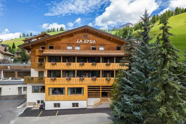 Foto estiva di presentazione La Stüa - Hotel 3 stelle