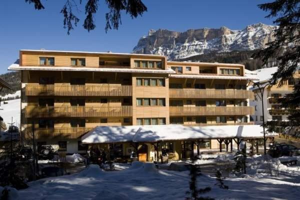 Foto invernale di presentazione La Villa - Hotel + Residence 3 stelle sup.