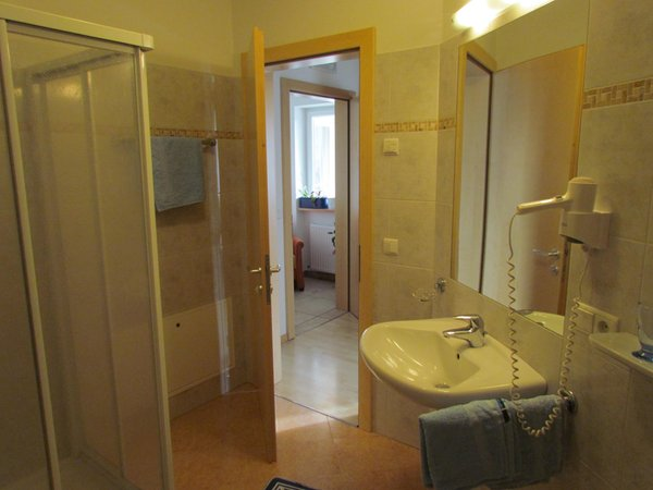 Foto del bagno B&B + Appartamenti Trübenbach
