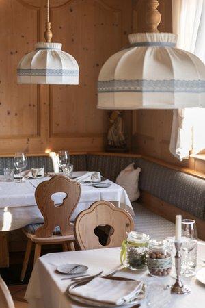 The restaurant San Genesio / Jenesien Tschögglbergerhof
