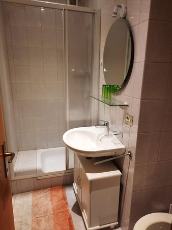 Foto del bagno Appartamenti in agriturismo Haus Barbieri