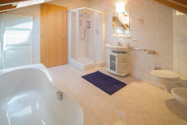 Foto del bagno Appartamenti in agriturismo Angerheim