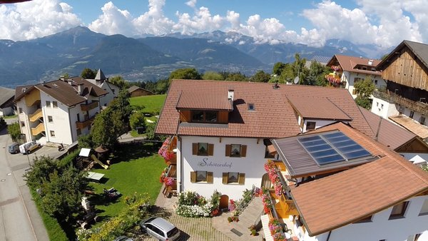 Foto Außenansicht im Sommer Schötzerhof