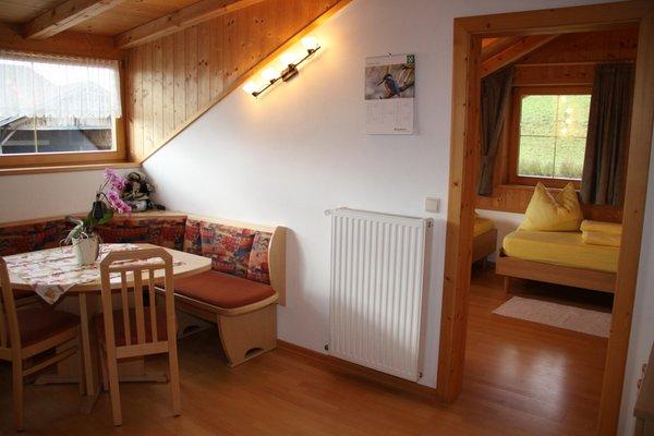 Der Wohnraum Ferienwohnungen auf dem Bauernhof Neu-Schötzerhof