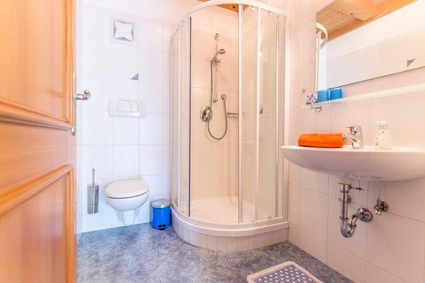 Foto del bagno Appartamenti in agriturismo Naglhof