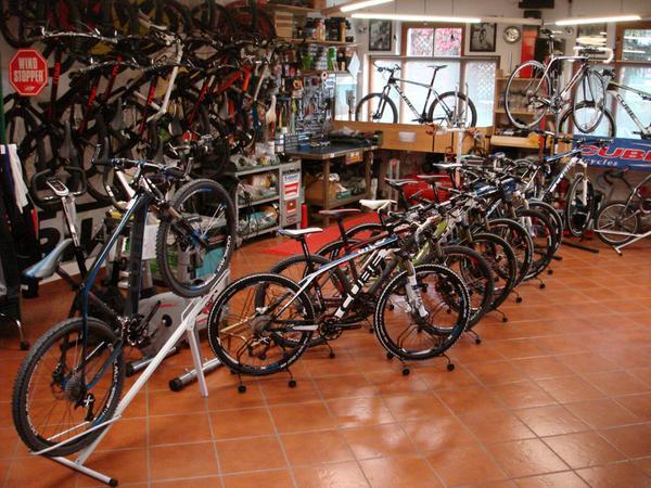 Bike rental Parigi Marco TradItDeEn [it=Ortisei, de=St. Ulrich, en=Ortisei / St. Ulrich]