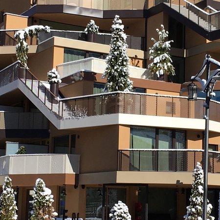 Foto esterno in inverno Tofana Explorer's Home