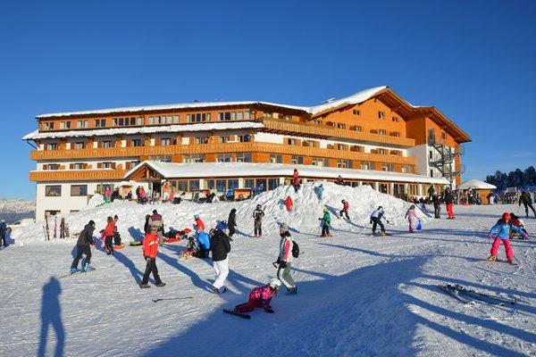 Foto invernale di presentazione Hotel Corno Nero