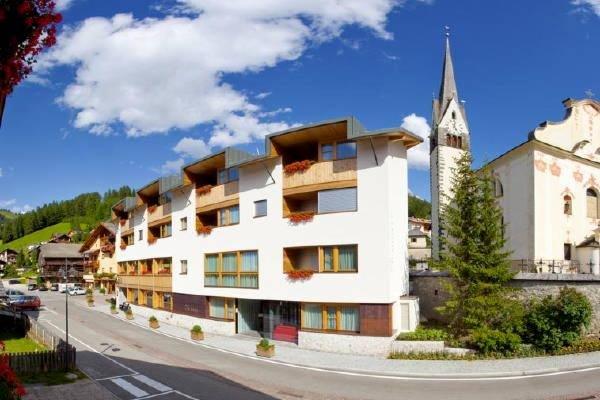 Sommer Präsentationsbild Hotel Cavallino