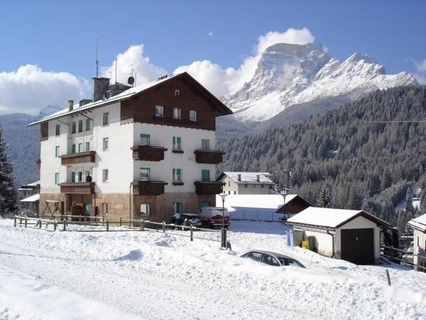 Foto invernale di presentazione Appartamenti Fiori