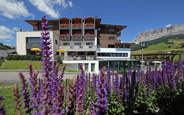Foto estiva di presentazione Ciasa Soleil - Hotel 4 stelle