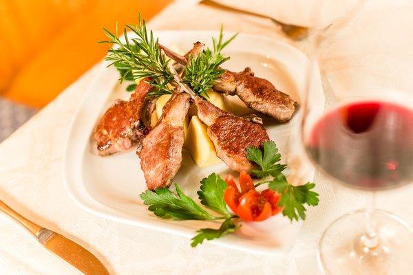 The restaurant Lago di Caldaro / Kalterer See See Perle