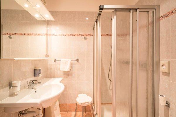 Foto del bagno Hotel Grüner Baum / Albero Verde