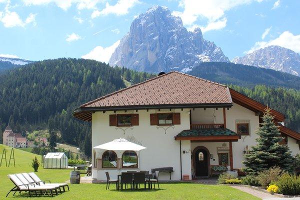 Foto esterno in estate A Sosta