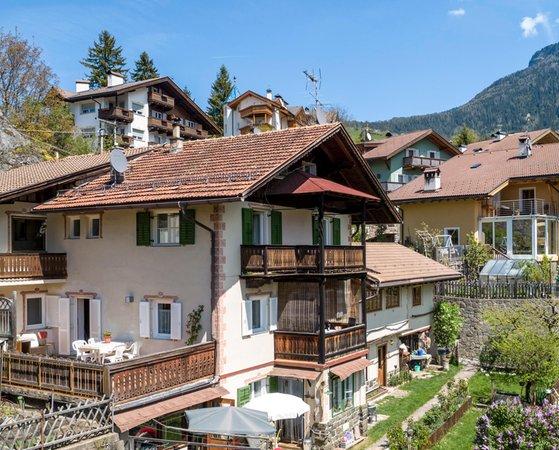 Sommer Präsentationsbild Ferienwohnungen Villa Erna