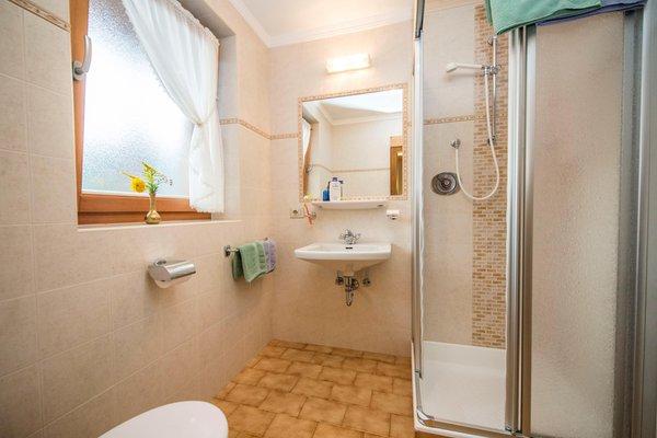 Foto del bagno Garni (B&B) Ciasa Flora