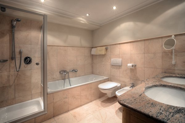 Photo of the bathroom B&B (Garni) + Apartments Ciasa Ai Pini