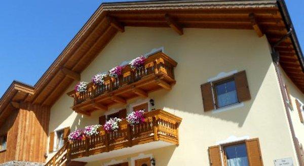 Foto esterno in estate Maison Pellegrin