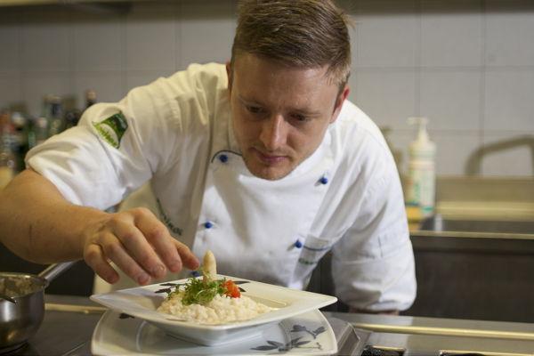 Foto della cucina Zum Hirschen