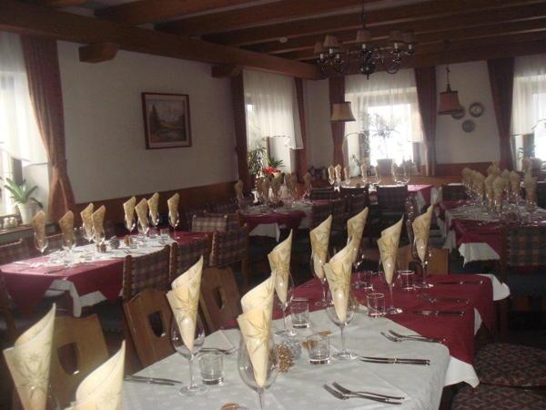 Das Restaurant Rasen im Antholzertal Neunhäusern / Nove Case