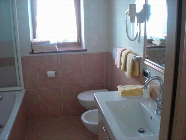 Foto del bagno Garni (B&B) + Appartamenti Pre da Nai