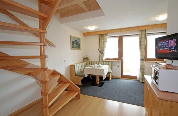 Der Wohnraum Lastëis - Garni (B&B) + Ferienwohnungen 3 Sterne