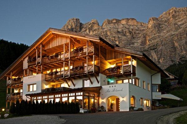 Foto estiva di presentazione Rü Blanch SAS - Pensione 3 stelle