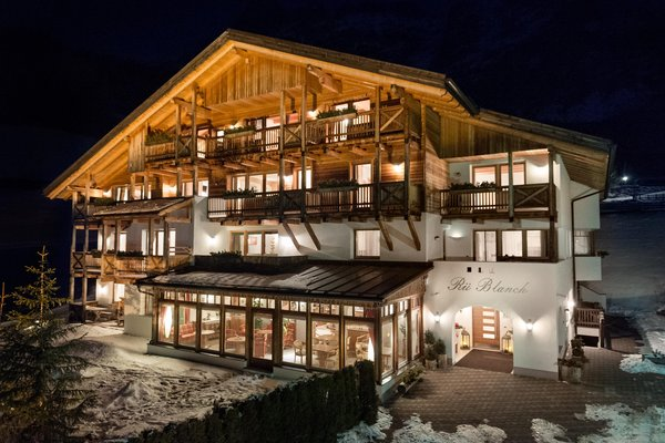 Foto esterno in inverno Rü Blanch SAS