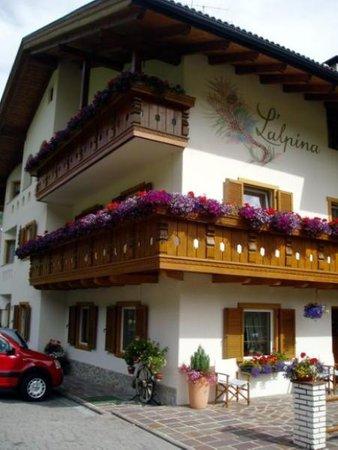 Foto estiva di presentazione Garni (B&B) L'Alpina