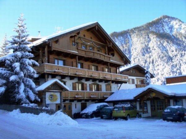 Winter presentation photo Le Ski Point - Ski rental