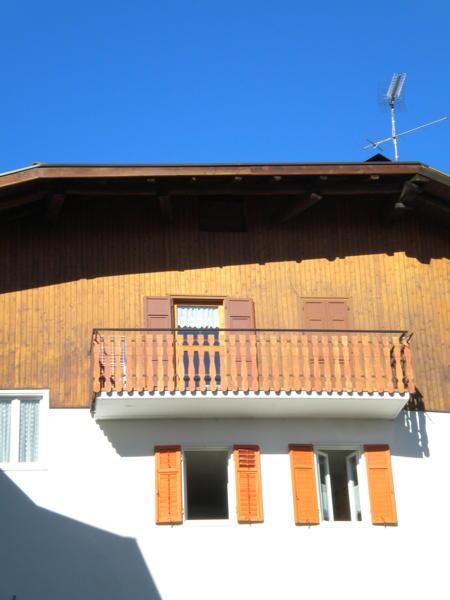 Foto esterno in estate Varesco Dolores