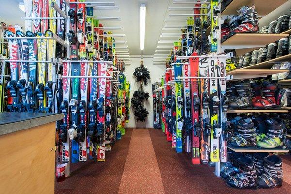 La skiroom Noleggio sci Ski Express Pfalzen