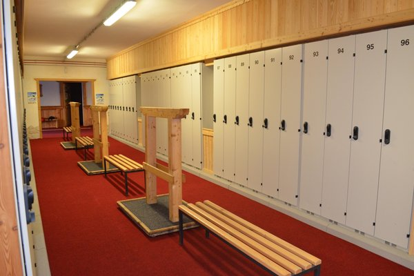 La skiroom Noleggio sci Centro Servizi Sci Civetta