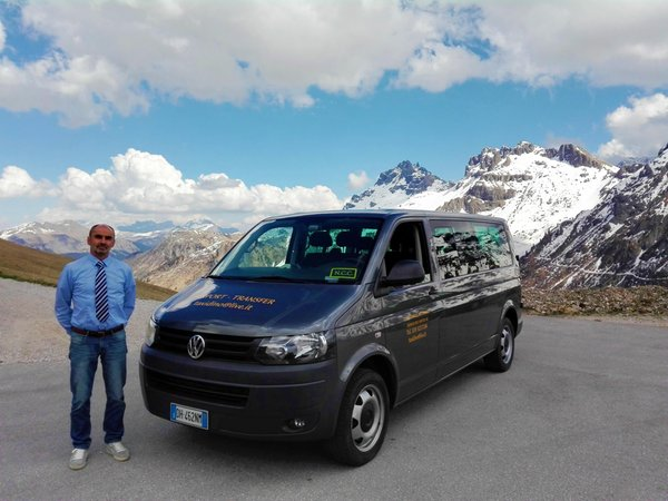 Foto di presentazione Autonoleggio Costa Dino - Taxi