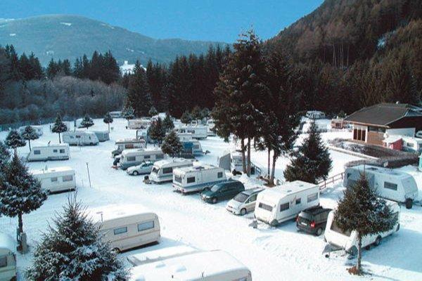 Foto invernale di presentazione Campeggio Corones