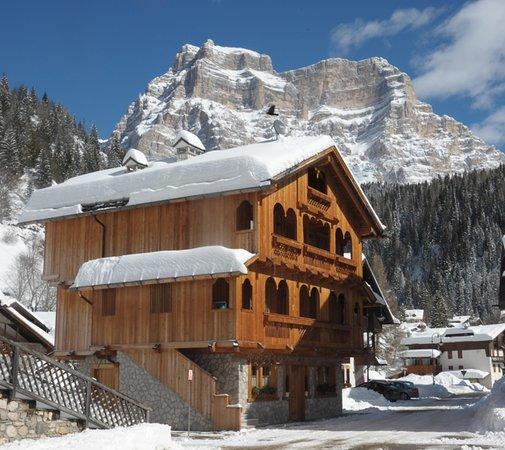 Foto Außenansicht im Winter In Tabià
