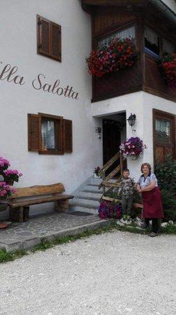 Foto esterno in estate Villa Salotta