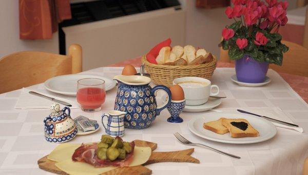 La colazione Cèsa Dele Angele - Garni (B&B) 2 stelle