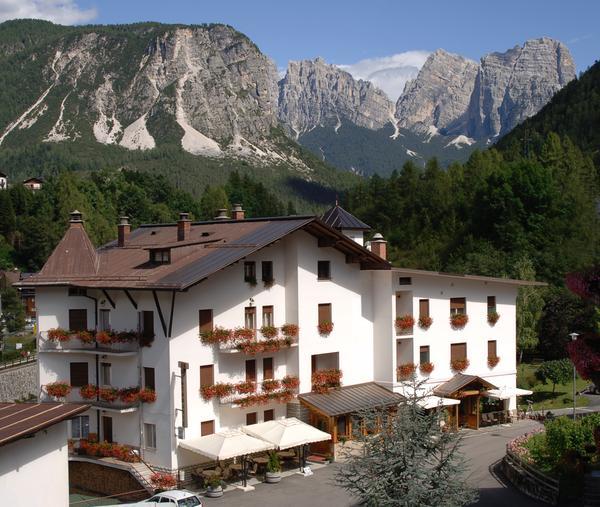 Foto Außenansicht Hotel Zoldana