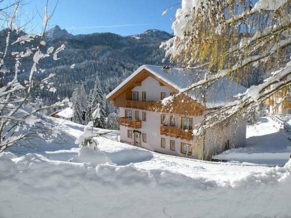 Foto invernale di presentazione Garni-Hotel Civetta