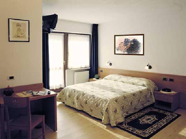 Foto vom Zimmer Garni-Hotel Ladinia