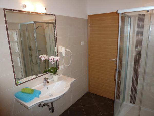 Foto del bagno Appartamenti in agriturismo Polzhof